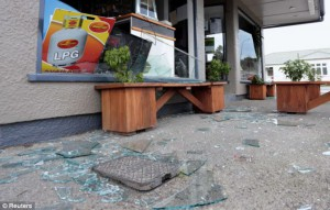 Safety film protects Glass Earthquake damage_Suntamers NZ